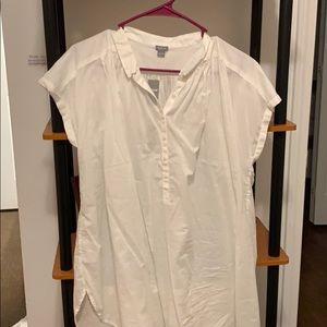 Aerie white short sleeve shirt